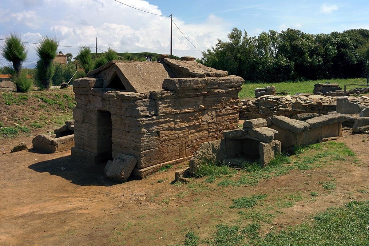 Populonia e Baratti: parco archeologico della necropoli
